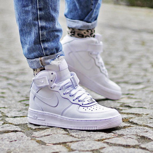 huge discount 93595 eb8ad Nike Air Force 1 Mid (GS)
