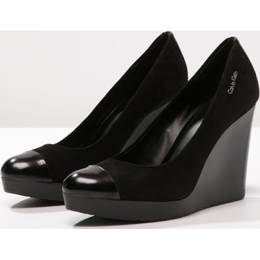 19cdf988a8e2c Calvin Klein MARGOT Czółenka na koturnie black zalando .