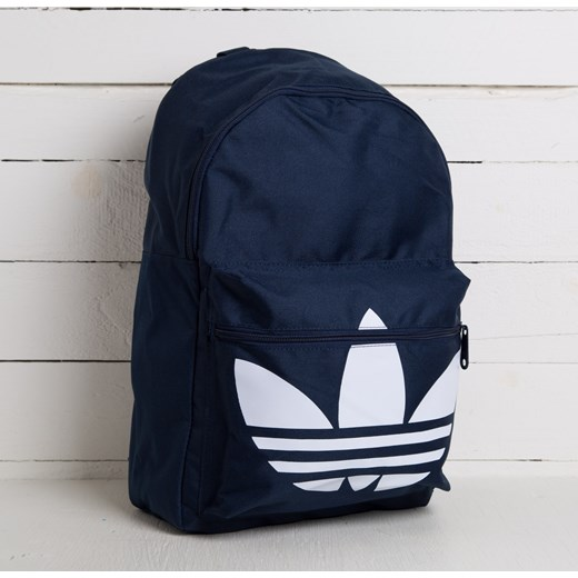489547f4ea591 adidas Backpack Classic Trefoil Night Indigo/ White footshop-pl czarny Plecaki  sportowe. Zobacz: Adidas Originals