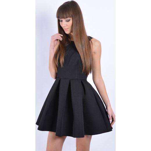 625519036fa3 Sukienka rozkloszowana w zakładki wzorek czarna cocomoda-pl czarny mini