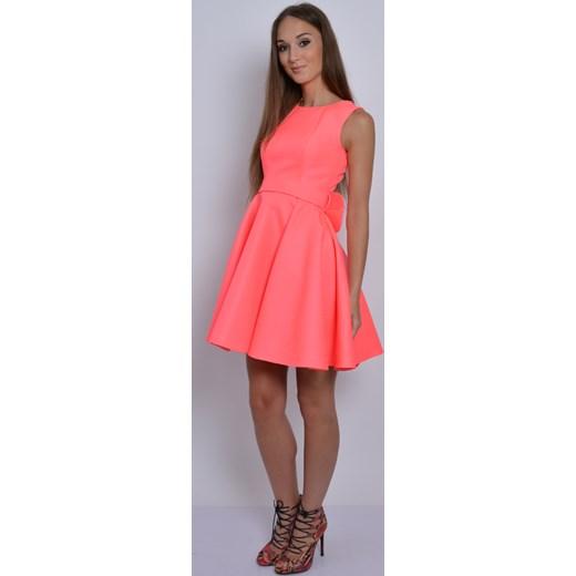 0f7aff7124 ... Sukienka rozkloszowana z kokardą neonowy róż cocomoda-pl pomaranczowy  lato