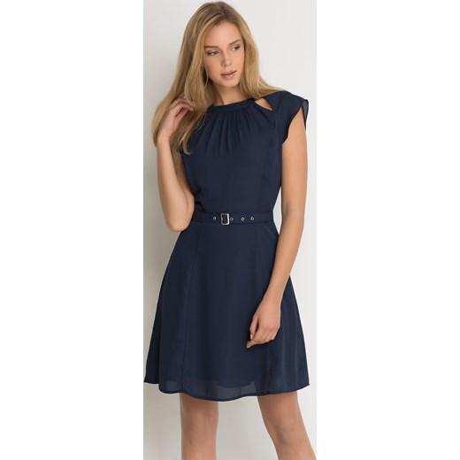 41318b8338a60 Sukienka z paskiem szary Orsay orsay.com w Domodi