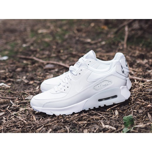 Buty damskie sneakersy Nike Air Max 90 Ultra Essential