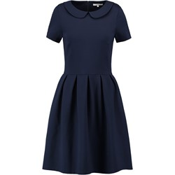 9fcade9344 W co się ubrać na egzamin  - Trendy w modzie w Domodi