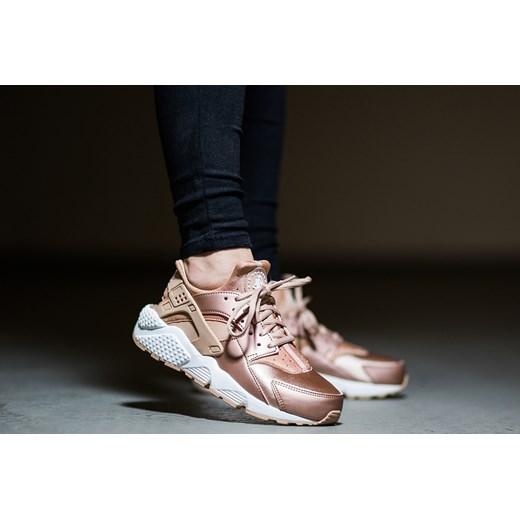dc1c53b8dd33e ... sweden buty damskie sneakersy nike huarache run se metallic red bronze  859429 900 nike 38 a3e95