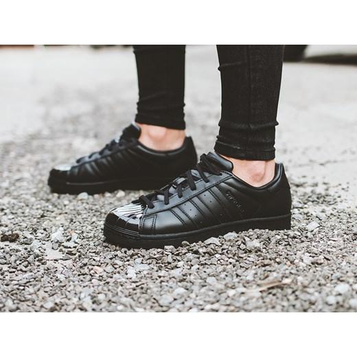 Buty damskie sneakersy adidas Originals Superstar Glossy Toe BB0684 sneakerstudio.pl