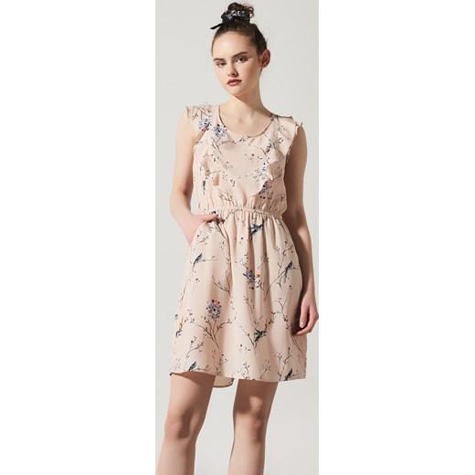 a7f7a6634f32eb House - Sukienka w kwiaty Różowy bezowy w Domodi
