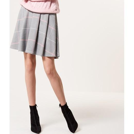 c6fa6d7b Mohito - Rozkloszowana spódnica w kratę Szary rozowy