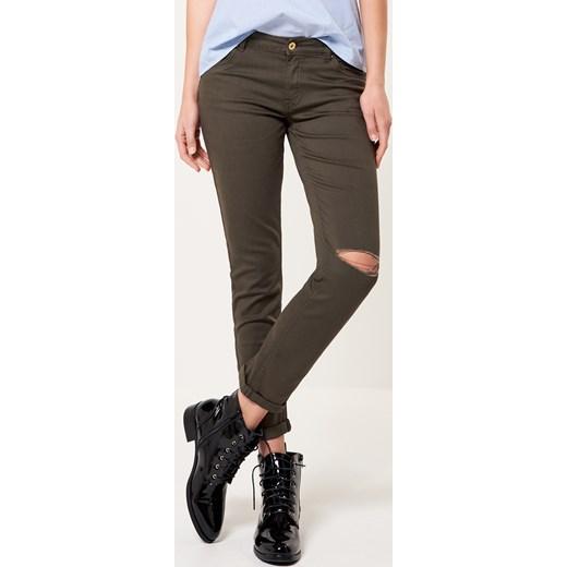631f25b6 Mohito - Spodnie z pęknięciem na kolanie Zielony