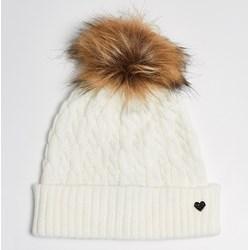 Znalezione obrazy dla zapytania modne czapki na zimę dla pań sinsay