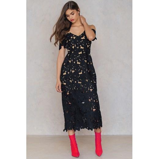 cc04faa3a5 Koronkowa sukienka z wycięciami na ramionach Na-kd Boho czarny Medium  Nakdcom