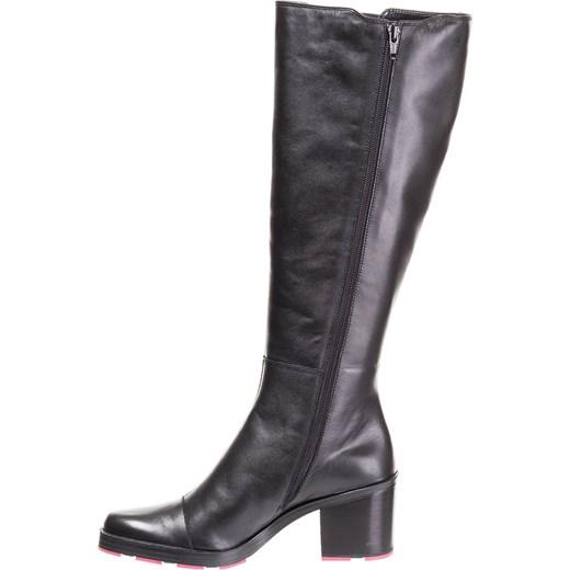 b443cf8abb023 ... Czarne skórzane kozaki z różową podeszwą Armani Jeans 38 Velpa.pl ...