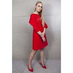 da7cacd8ae Czerwone sukienki trapezowe w wyprzedaży - Domodi.pl