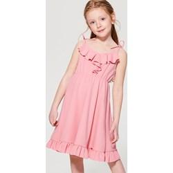 06c0189cf5 Piękne sukienki z efektem WOW na każdą okazję - Trendy w modzie w Domodi