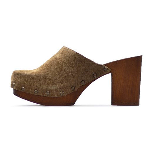 695e8eaadab98 ... Klapki Venezia 9624 CAMEL Brązowe zamsz Venezia Arturo-obuwie ...