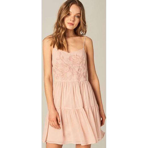 580c1e5873 Mohito - Sukienka z kwiatowym haftem - Różowy Mohito 38 ...