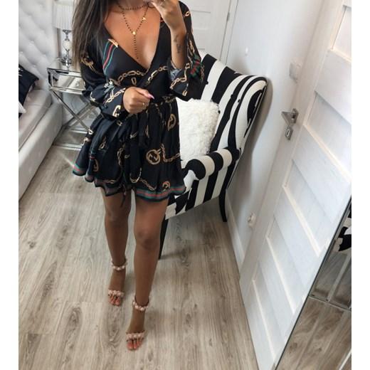 4f65b94fadd91 Sukienka w Domodi