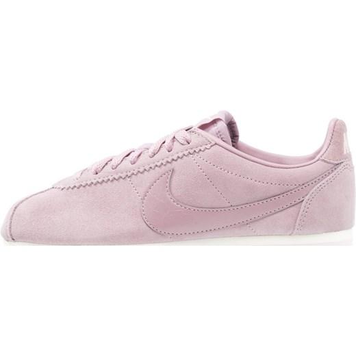 buy popular bcfe5 27f44 ... Nike Sportswear CLASSIC CORTEZ SUEDE Tenisówki i Trampki lilac Nike  Sportswear 43 Zalando