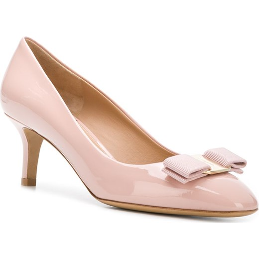 e367289c21e ... Farfetch  Salvatore Ferragamo Vara ballerina low heel pumps - Pink    Purple Salvatore Ferragamo 6