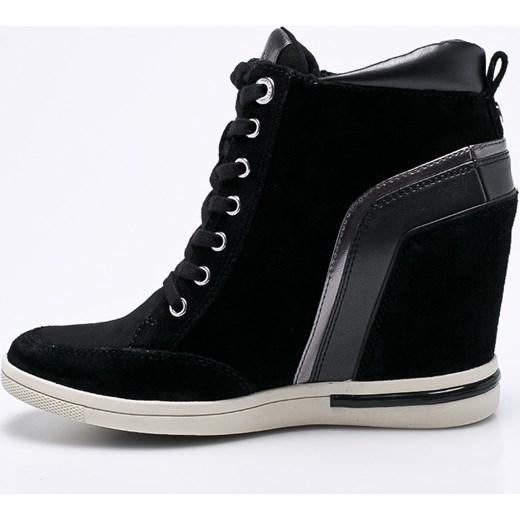 8a06bb0a034bc ... Sneakersy damskie Tommy Hilfiger młodzieżowe wiązane na koturnie bez  wzorów skórzane ...