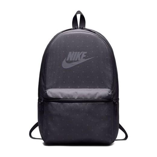 86e6510e13d17 Plecak Sportswear Heritage Nike (grafitowy) Nike okazyjna cena SPORT-SHOP.pl