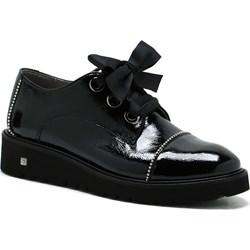 48719c822d76 Półbuty damskie Nessi sznurowane czarne bez wzorów płaskie casual