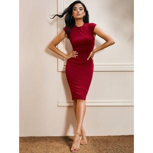 6ea86cb3 Czerwona sukienka Marciano Guess bez wzorów na sylwestra dopasowana