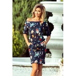 0348fa1b6f Sukienka wielokolorowa Numoco z krótkim rękawem sportowa midi z  asymetrycznym dekoltem