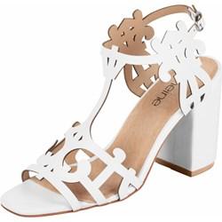 a896e91185989 Sandały damskie Heine gładkie skórzane białe na wysokim obcasie eleganckie  z klamrą na platformie