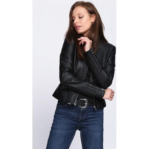 b171309542dea Kurtka damska Born2be krótka czarna w rockowym stylu bez wzorów w Domodi