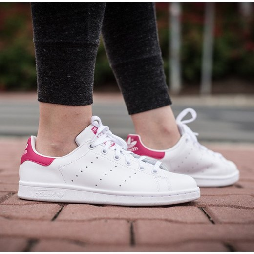BUTY DAMSKIE SNEAKERSY ADIDAS ORIGINALS STAN SMITH B32703 sneakerstudio pl rozowy do tenisa