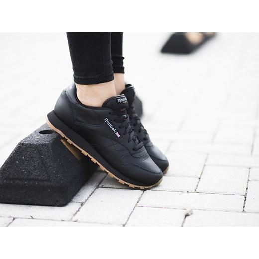 d03342d50591 Buty damskie sneakersy Reebok Classic Leather 49804 bialy sneakerstudio.pl  w Domodi