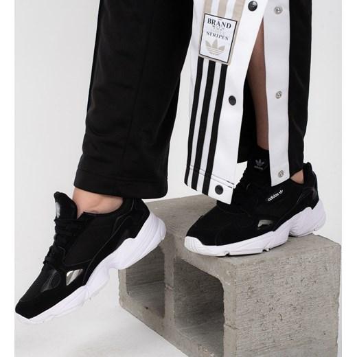 sports shoes 8343d 476fe Buty damskie sneakersy adidas Originals Falcon B28129 - CZARNY  sneakerstudio.pl w Domodi