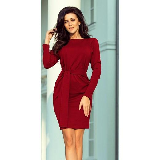 215b847abc Czerwona sukienka Saf na spotkanie biznesowe dopasowana z okrągłym dekoltem  gładka
