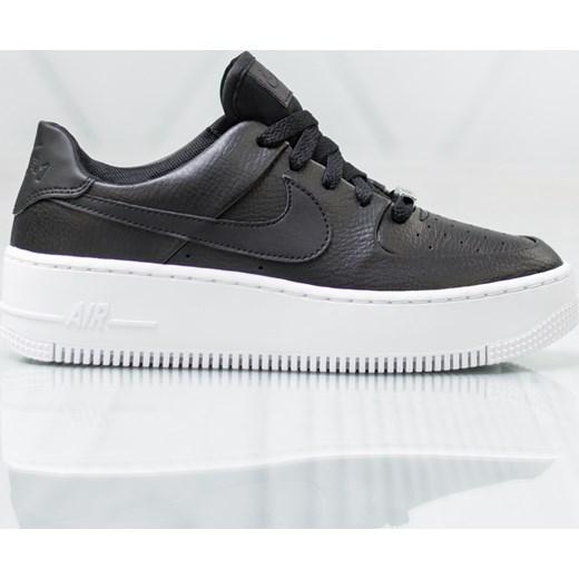 71f99fdb Buty sportowe damskie czarne Nike sneakersy air force na płaskiej podeszwie  bez wzorów1