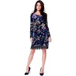 6d8d8aca77 Sukienka Potis   Verso z długim rękawem prosta midi z okrągłym dekoltem na  spacer
