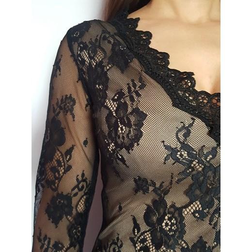 a238664ce812e9 Bluzka damska Vogue elegancka z długimi rękawami czarna z dekoltem v ...