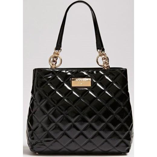 6d8b476740085 Czarna shopper bag Guess lakierowana z poliestru glamour w Domodi