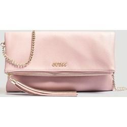 a9267b5d459bf Kopertówka Guess różowa glamour z poliestru