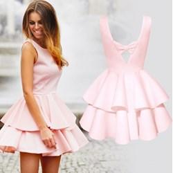 d87204f8f1 Sukienka Pakuten rozkloszowana na urodziny z dekoltem na plecach