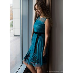 898b864781676e Sukienka Potis & Verso midi na sylwestra z krótkimi rękawami