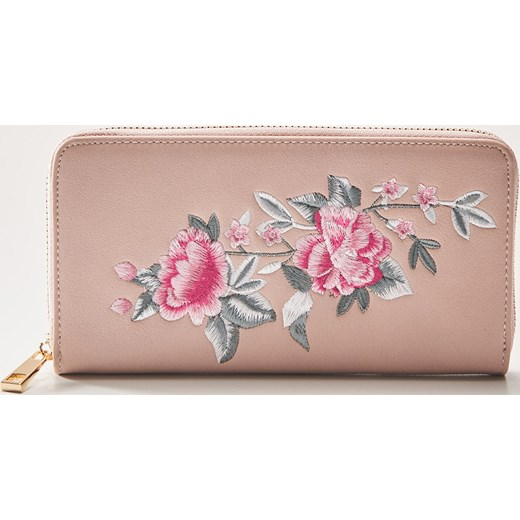 bd7b24aedbe29 House - Portfel z kwiatowym haftem - Różowy House One Size ...