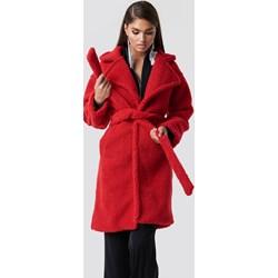 86ea1d6adcc9d Czerwone kurtki i płaszcze damskie, lato 2019 w Domodi
