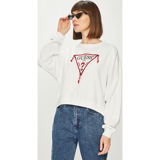 15c409ad334d2 Bluza damska biała Guess Jeans krótka w Domodi