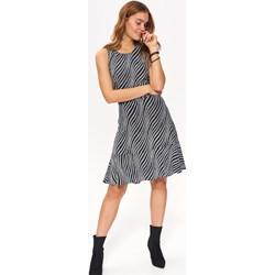 7df03d57ee577e Sukienka Top Secret midi casualowa dzienna trapezowa z okrągłym dekoltem