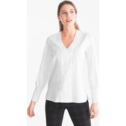 6dcc71ac9c8e Bluzka damska Your Sixth Sense biała bawełniana z długim rękawem z dekoltem  w literę v elegancka
