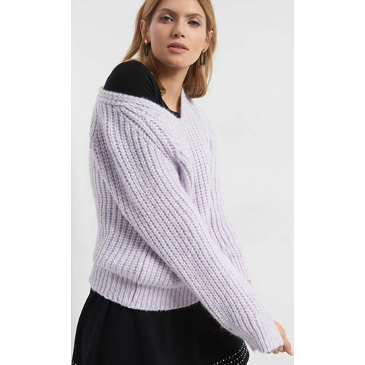 5848e9a3db122a Sweter damski ORSAY z dekoltem w literę v gładki w Domodi