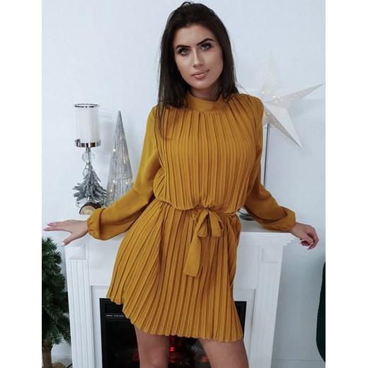 e15cab59a6 Sukienka żółta oversize bez wzorów mini klasyczna w Domodi