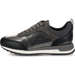 c215efbf22636 Buty sportowe damskie Geox w stylu casual w młodzieżowym