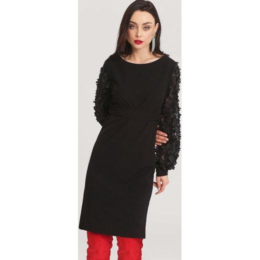 d649480425 Sukienka Renee w kwiaty czarna z okrągłym dekoltem z długim rękawem na  wiosnę prosta ...